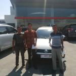 Foto Penyerahan Unit 1 Sales Marketing Dealer Mobil Toyota Jember Taufiq