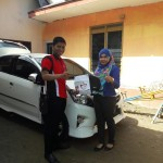 Foto Penyerahan Unit 1 Sales Marketing Mobil Dealer Toyota Surabaya Akmal