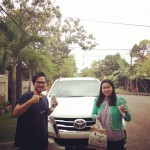 Foto Penyerahan Unit 1 Sales Marketing Mobil Toyota Erna