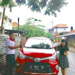 Foto Penyerahan Unit 10 Sales Marketing Mobil Dealer Toyota Surabaya Akmal