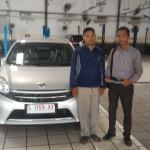 foto-penyerahan-unit-2-sales-marketing-mobil-dealer-toyota-mojokerto-jombang-sidoarjo-heri