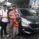 Foto Penyerahan Unit 8 Sales Marketing Mobil Dealer Toyota Surabaya Akmal