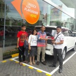 Foto Penyerahan Unit 9 Sales Marketing Mobil Dealer Toyota Surabaya Akmal