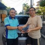 Foto Penyerahan Unit 4 Sales Marketing Mobil Dealer Suzuki Didi