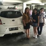 Foto Penyerahan Unit 1 Sales Datsun Manado Atau Marketing Mobil Dealer Datsun Manado Lia Maidangkay