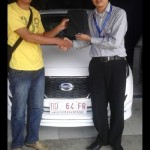 Foto Penyerahan Unit 1 Sales Marketing Mobil Dealer Datsun Palopo