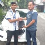 Foto Penyerahan Unit 1 Sales Marketing Mobil Dealer Datsun Solo Sukses Cahyo