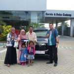 Foto Penyerahan Unit 1 Sales Marketing Mobil Dealer Toyota Indramayu Ryan