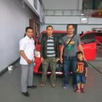 Foto Penyerahan Unit 1 Sales Marketing Mobil Dealer Toyota Tasikmalaya Nono