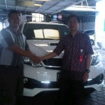 foto-penyerahan-unit-10-sales-marketing-mobil-dealer-toyota-sumedang-atep-sucita