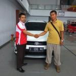Foto Penyerahan Unit 10 Sales Marketing Mobil Dealer Toyota Tasikmalaya Nono