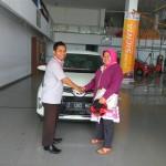 Foto Penyerahan Unit 11 Sales Marketing Mobil Dealer Toyota Tasikmalaya Nono