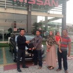 Foto Penyerahan Unit 14 Sales Marketing Mobil Datsun Pekanbaru Karim