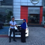 Foto Penyerahan Unit 15 Sales Marketing Mobil Datsun Pekanbaru Karim
