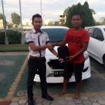 Foto Penyerahan Unit 16 Sales Marketing Mobil Datsun Pekanbaru Karim