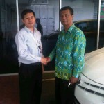 foto-penyerahan-unit-17-sales-marketing-mobil-dealer-toyota-sumedang-atep-sucita