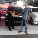 Foto Penyerahan Unit 21 Sales Marketing Toyota Atep
