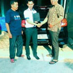 foto-penyerahan-unit-3-sales-marketing-mobil-dealer-datsun-lampung-rustam-ali