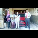 Foto Penyerahan Unit 3 Sales Marketing Mobil Dealer Honda Tulungagung Satria