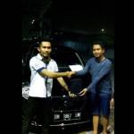Foto Penyerahan Unit 4 Sales Marketing Mobil Datsun Pekanbaru Karim