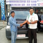 Foto Penyerahan Unit 4 Sales Marketing Mobil Dealer Daihatsu Bukittinggi Yosfan
