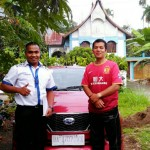 Foto Penyerahan Unit 4 Sales Marketing Mobil Dealer Datsun Farid