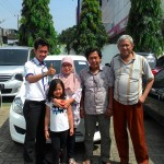 foto-penyerahan-unit-4-sales-marketing-mobil-dealer-datsun-lampung-rustam-ali