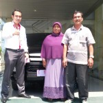 Foto Penyerahan Unit 4 Sales Marketing Mobil Dealer Toyota Indramayu Ryan