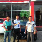 foto-penyerahan-unit-5-sales-marketing-mobil-dealer-datsun-lampung-rustam-ali