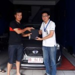 Foto Penyerahan Unit 5 Sales Marketing Mobil Dealer Datsun Palopo
