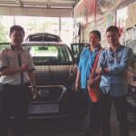 Foto Penyerahan Unit 5 Sales Marketing Mobil Dealer Datsun Pontianak Hendro