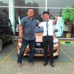 foto-penyerahan-unit-6-sales-marketing-mobil-dealer-datsun-lampung-rustam-ali