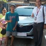 Foto Penyerahan Unit 6 Sales Marketing Mobil Dealer Toyota Indramayu Ryan