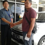 foto-penyerahan-unit-7-sales-marketing-mobil-dealer-toyota-sumedang-atep-sucita