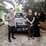 foto-penyerahan-unit-8-sales-marketing-mobil-dealer-toyota-garut-riki-wildani