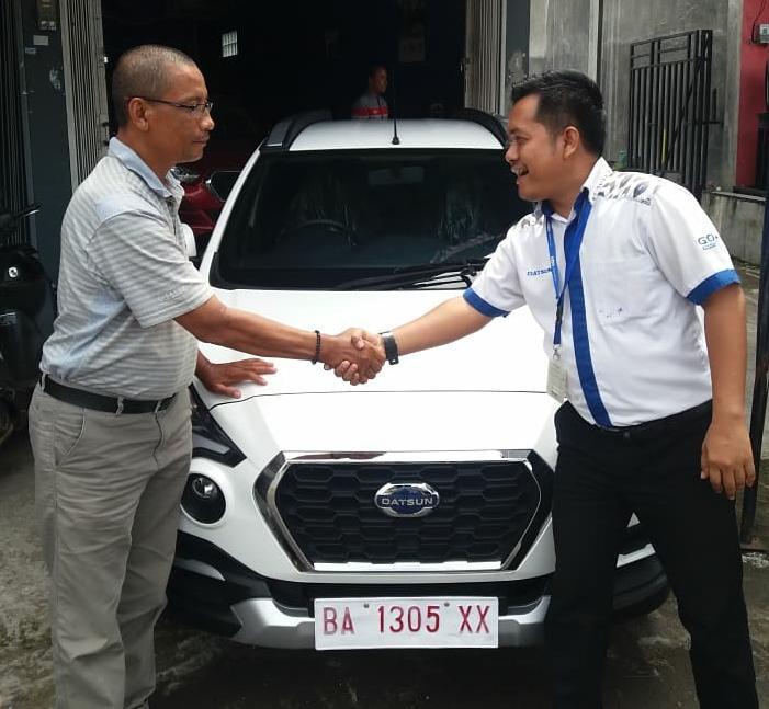 Sales Marketing Mobil Dealer Datsun Bukititnggi Sony