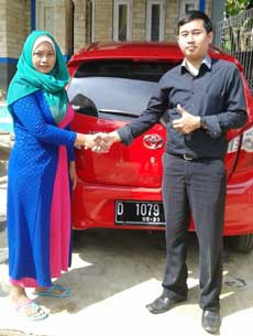 sales-marketing-mobil-dealer-toyota-sumedang-atep-sucita