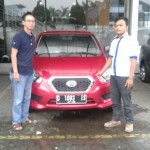 Foto Penyerahan Unit 1 Sales Marketing Mobil Dealer Datsun Agi