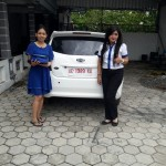 Foto Penyerahan Unit 1 Sales Marketing Mobil Dealer Datsun ELLEN