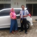 Foto Penyerahan Unit 1 Sales Marketing Mobil Dealer Datsun Kediri Ahmad