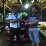 Foto Penyerahan Unit 1 Sales Marketing Mobil Dealer Datsun Purwakarta Yosi