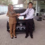 foto-penyerahan-unit-1-sales-marketing-mobil-dealer-honda-cianjur-hedi
