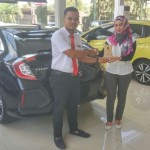 Foto Penyerahan Unit 1 Sales Marketing Mobil Dealer Honda Rizza
