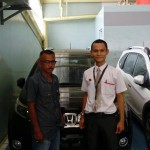 Foto Penyerahan Unit 1 Sales Marketing Mobil Dealer Honda Sukabumi Decky