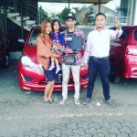 Foto Penyerahan Unit 10 Sales Marketing Mobil Dealer Datsun Agi