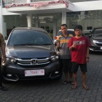 Foto Penyerahan Unit 10 Sales Marketing Mobil Dealer Honda Rizza