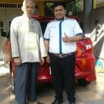 Foto Penyerahan Unit 11 Sales Marketing Mobil Dealer Datsun Purwokerto Erdi