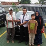 Foto Penyerahan Unit 13 Sales Marketing Mobil Dealer Datsun Purwakarta Yosi