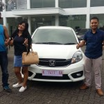 Foto Penyerahan Unit 13 Sales Marketing Mobil Dealer Honda Rizza