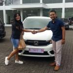 Foto Penyerahan Unit 15 Sales Marketing Mobil Dealer Honda Rizza